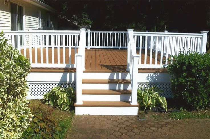 Houses With Trex Decking Trex Decking White Vinyl Railings 2