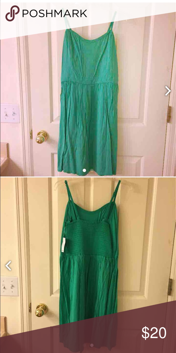 NWT Old Navy Green Dress Brand new! Old Navy Dresses Midi
