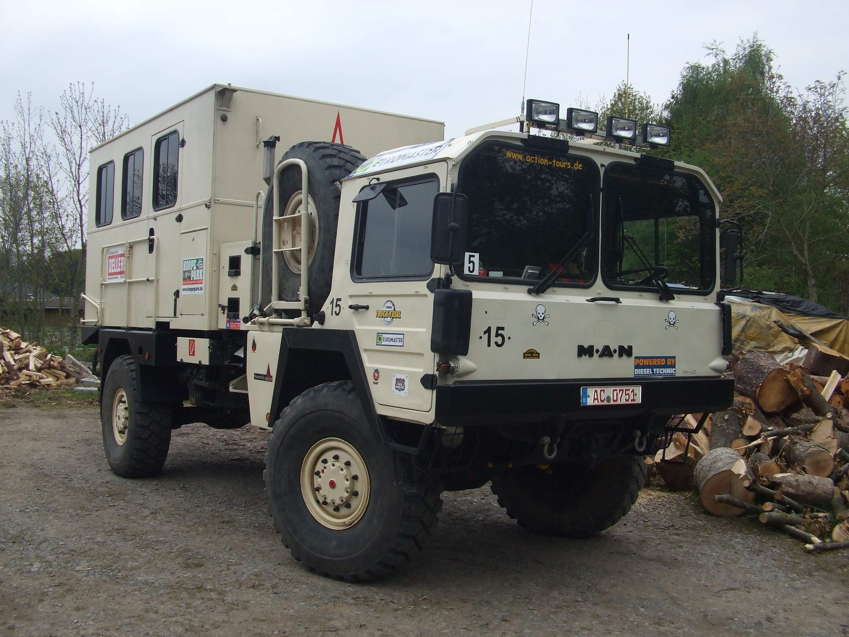 military man kat truck 4x4 traveller pinterest military man expedition truck and vehicle. Black Bedroom Furniture Sets. Home Design Ideas
