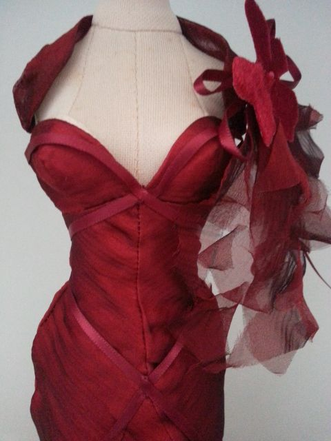 Prego: Super Natural... a lil red for the yuletide ...