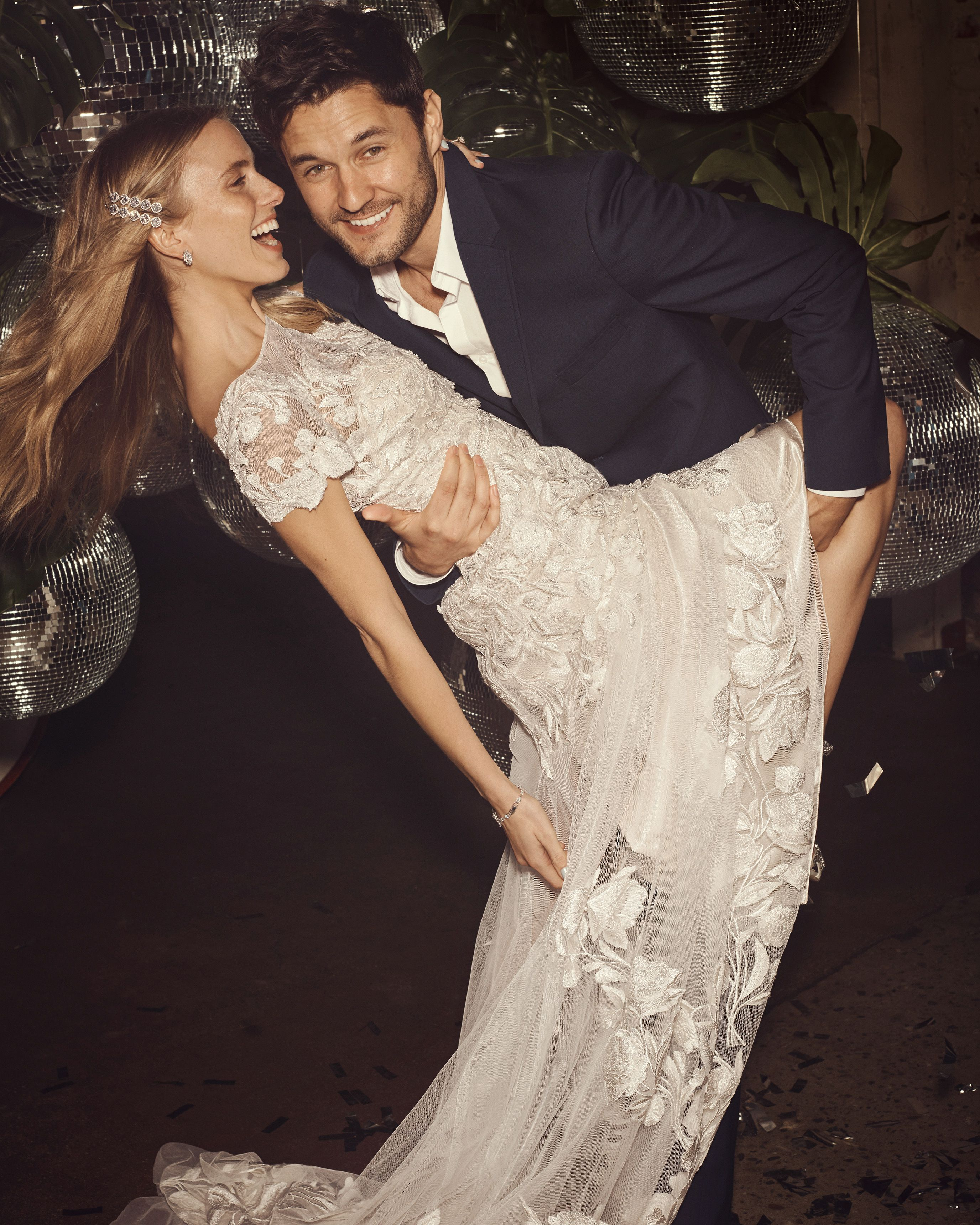 Embroidered Illusion Cap Sleeve Wedding Dress David S Bridal Wedding Cap Sleeves Davids Bridal Wedding Dresses Wedding Dress Cap Sleeves [ 3440 x 2752 Pixel ]