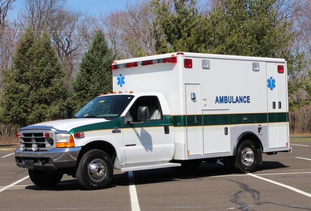 Ambulancetrader Com Ambulance Sales Used Ambulances Ems Equipment Sales Ambulance Ford Super Duty Emergency Vehicles