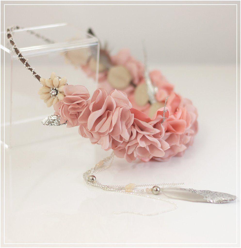 Couronne de fleurs et plumes / Rose