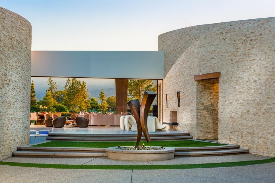 Modern Desert Home With Open Patio