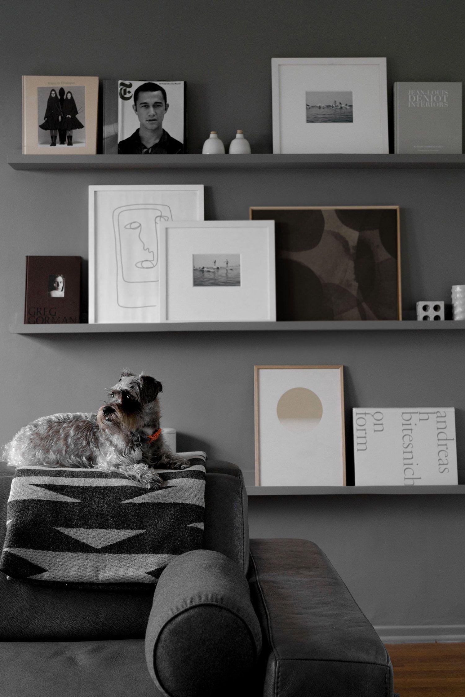 Monochrome, modern, and dark living concept. - Monochromes, modernes ...