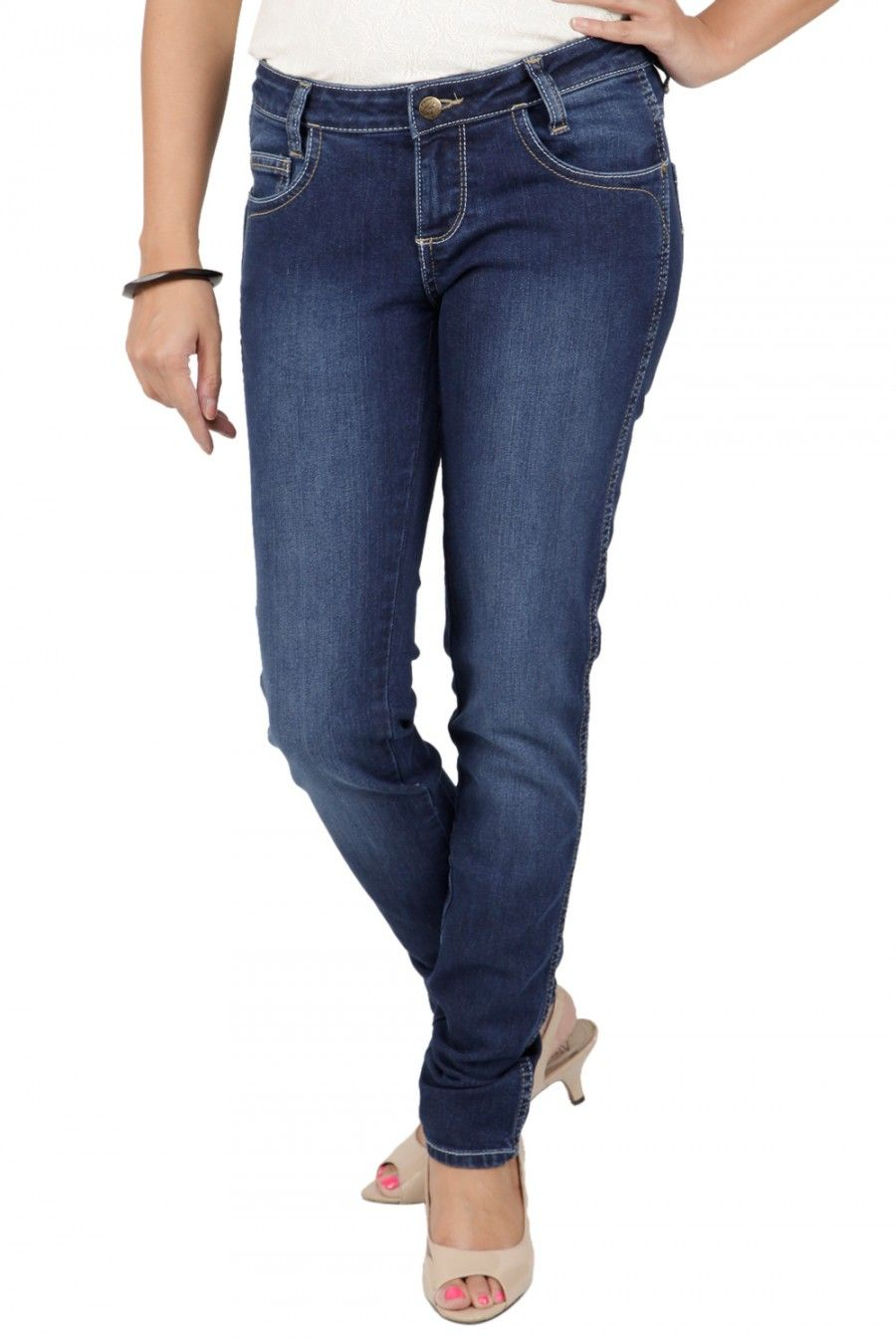 JAG FOX Colour      BlueFor      WomenMaterial      DenimBrands      WranglerDepartments      ApparelsFit      Slim FitCategory      JeansDiscount      More than 10% , Sale [Rs7,373.00]