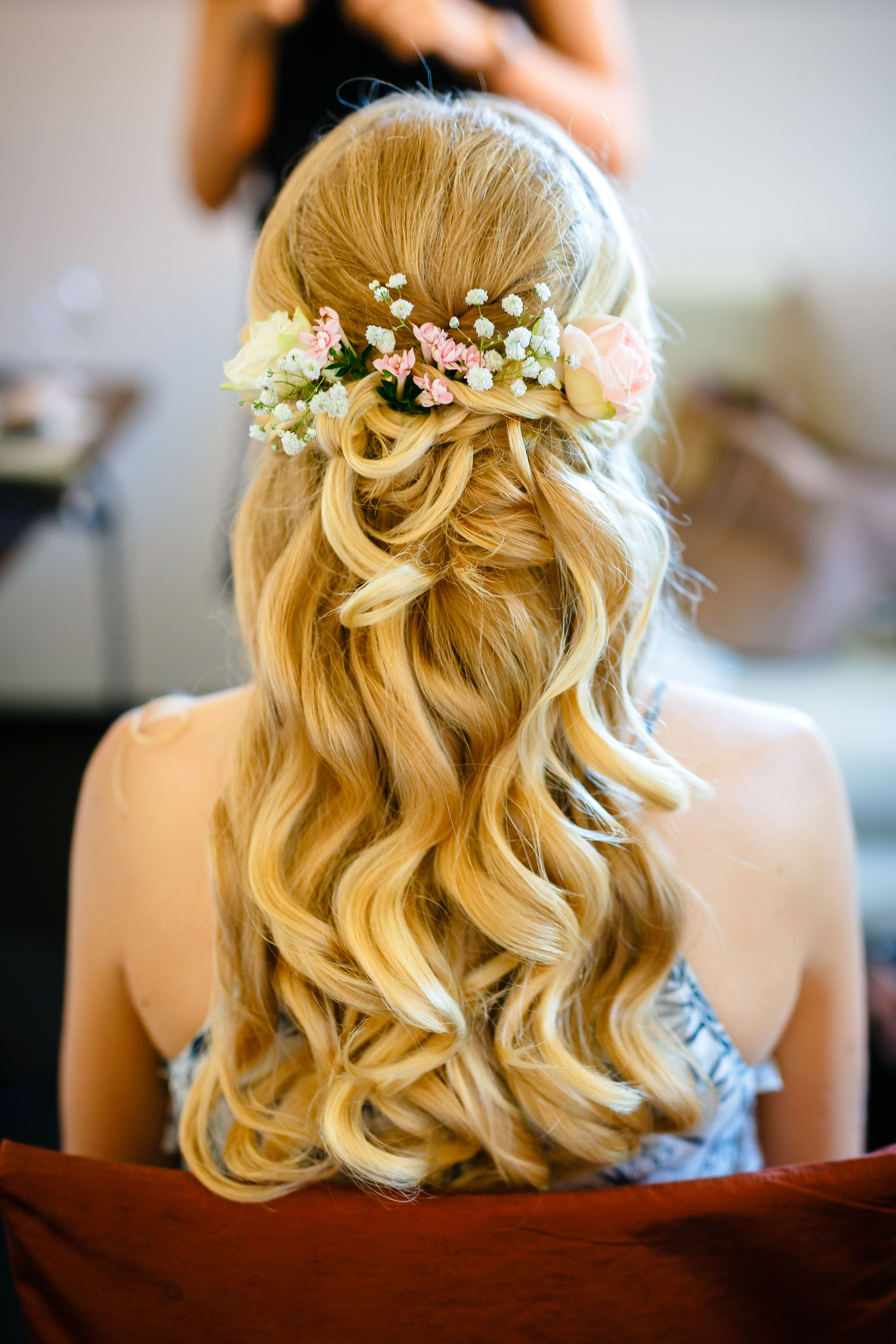 Elegant messy updo for long straight hair - #elegant #messy #straight - #elegant #messy #straight