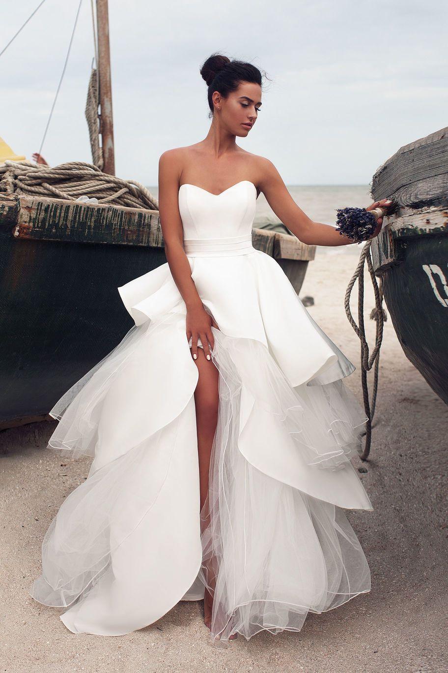 Vestidos de novia beige corte sirena