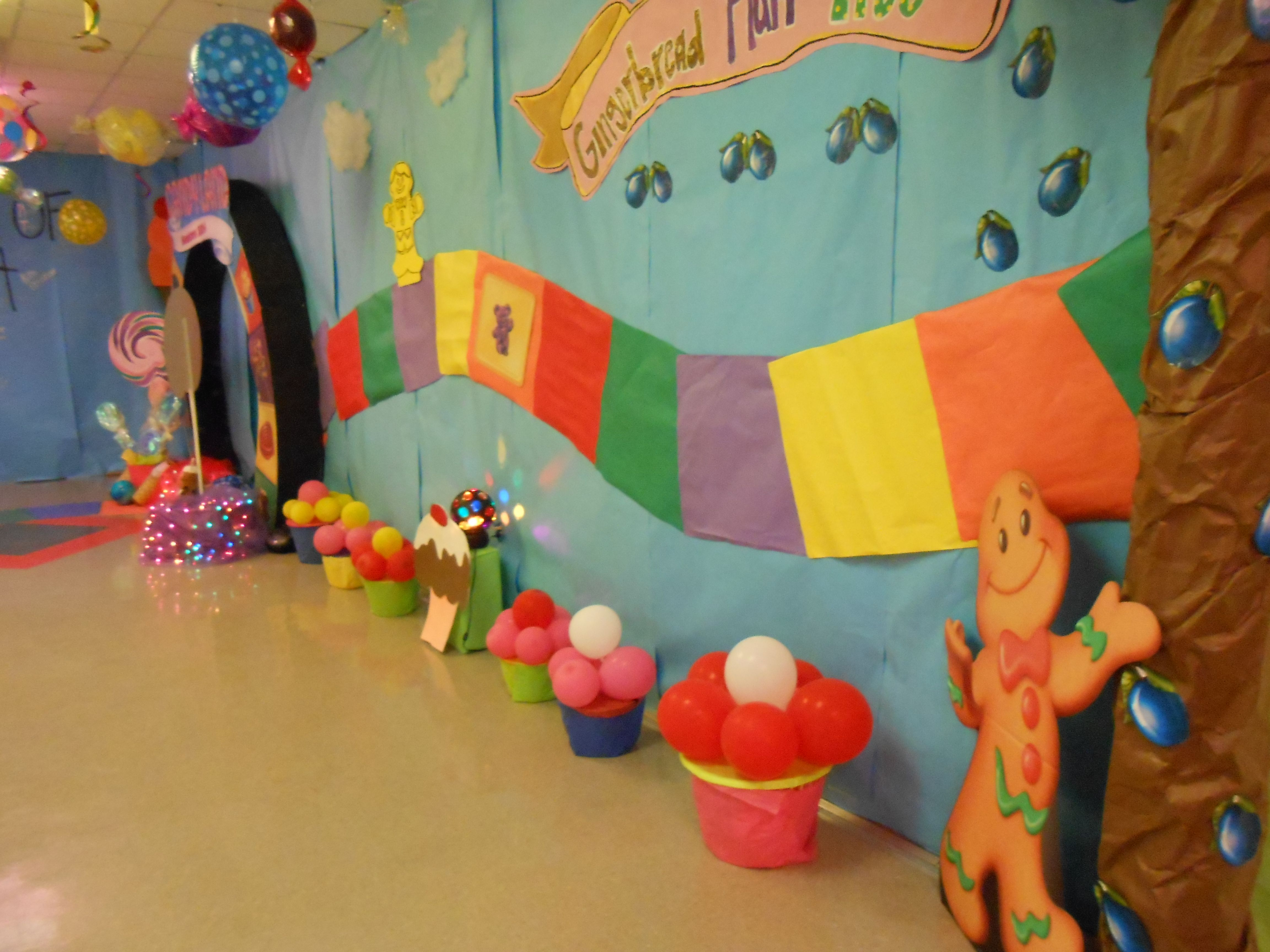 Candy Land Hall Decorations Candyland Decorations Christmas School Candy Land Theme