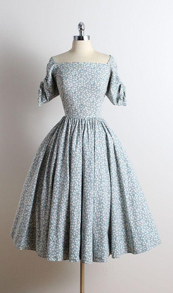 ➳ vintage 1950s dress * blue, gray floral cotton * bow