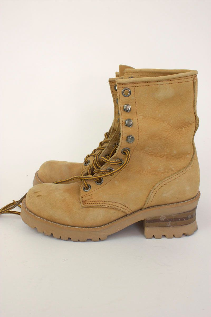 Vintage 90s Lace Up Hiking Boots Womens Size 8.  45.00 e8c2d7ea4