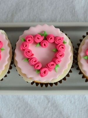 Sweet Valentine Cupcake Decorating Ideas