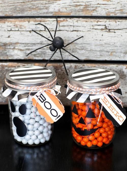 Mason Jar Filled with sweets For Halloween Halloween - halloween jar ideas