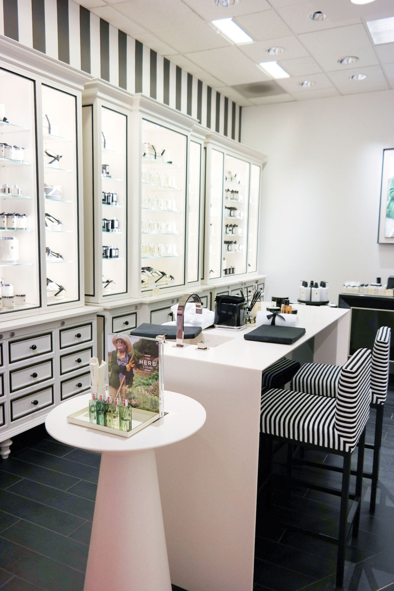 Exclusive A Peek Inside the new Jo Malone London Boutique at Macy's Memorial City Mall is part of Jo malone, Jo malone store, London boutique, Retail store design, Store interiors, Jo malone london - Jo Malone London is thrilled to be having their grand launch party today at their second location inside Macy's (the first one is in Herald