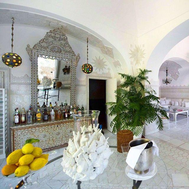"139 aprecieri, 18 comentarii - Villa Treville, Positano  (@villatreville) pe Instagram: ""Relive #dolchevita #sweetlife #happylife #honeymoon #secretrendezvous at #villatreville…"""