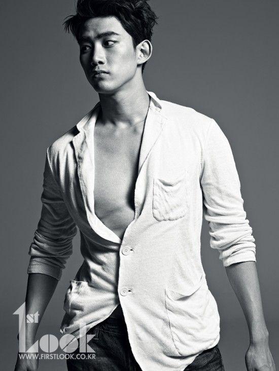 Taecyeon Puts Hottest In A Daze For 1st Look Shares The Secret To 2pm S Longevity Taecyeon Korean Celebrities Korean Actors