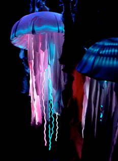 Great idea for making glowing jellyfish costumes. Halloween will ...