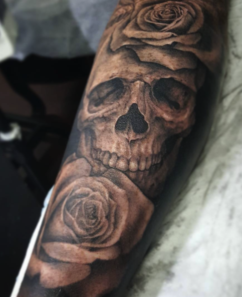 ce1512d09 skull roses tattoo | Tattoos | Skull tattoos, Skull rose tattoos ...