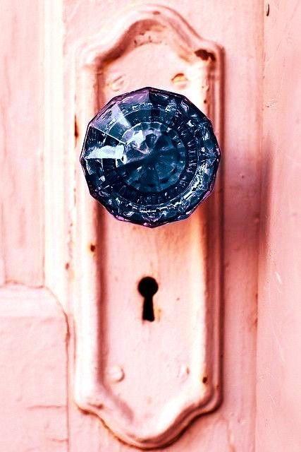 Love! Pink door.