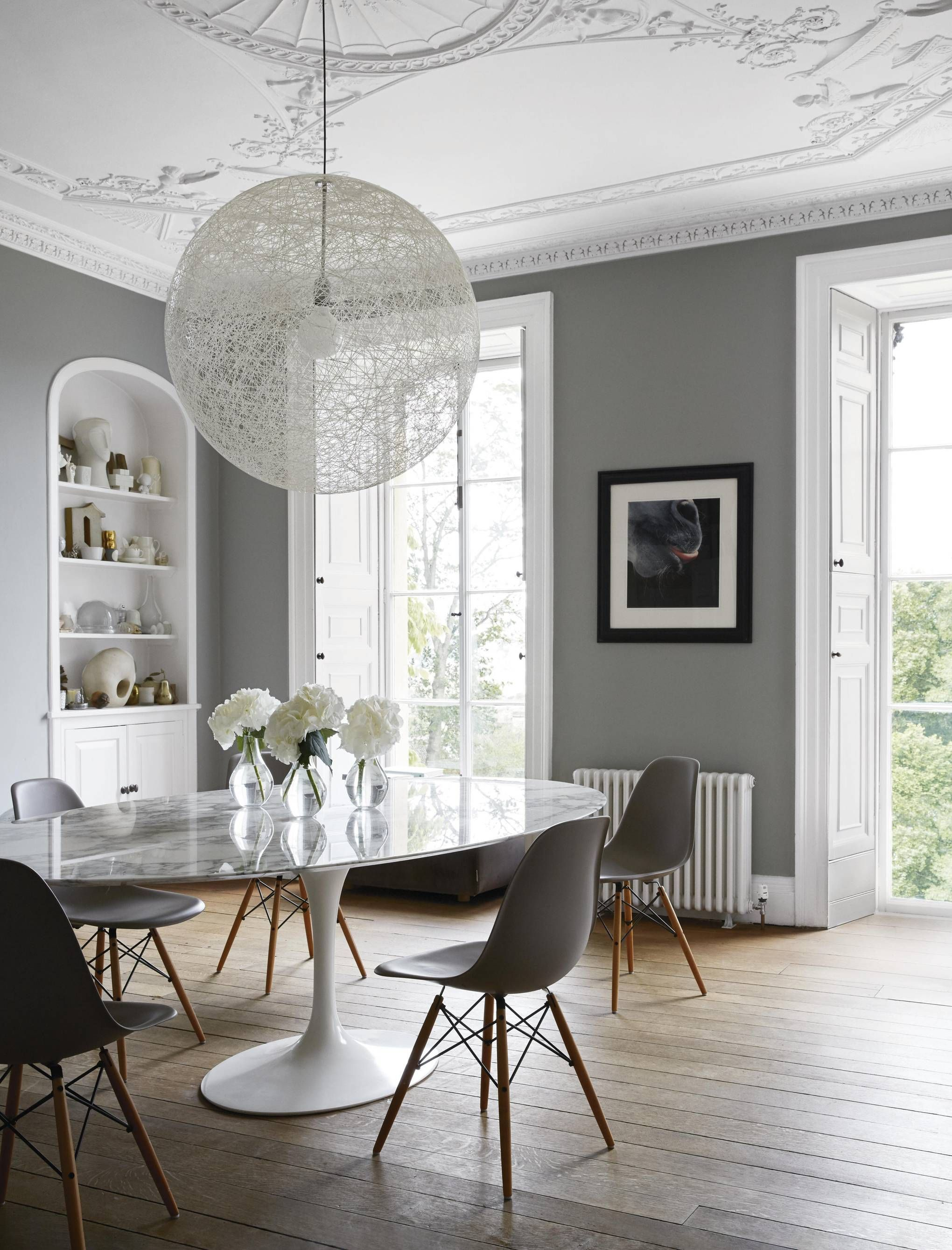 A Fashion Designer S Sensitively Restored Georgian House In 2020 Saarinen Dining Table Dining Table Marble Marble Top Dining Table
