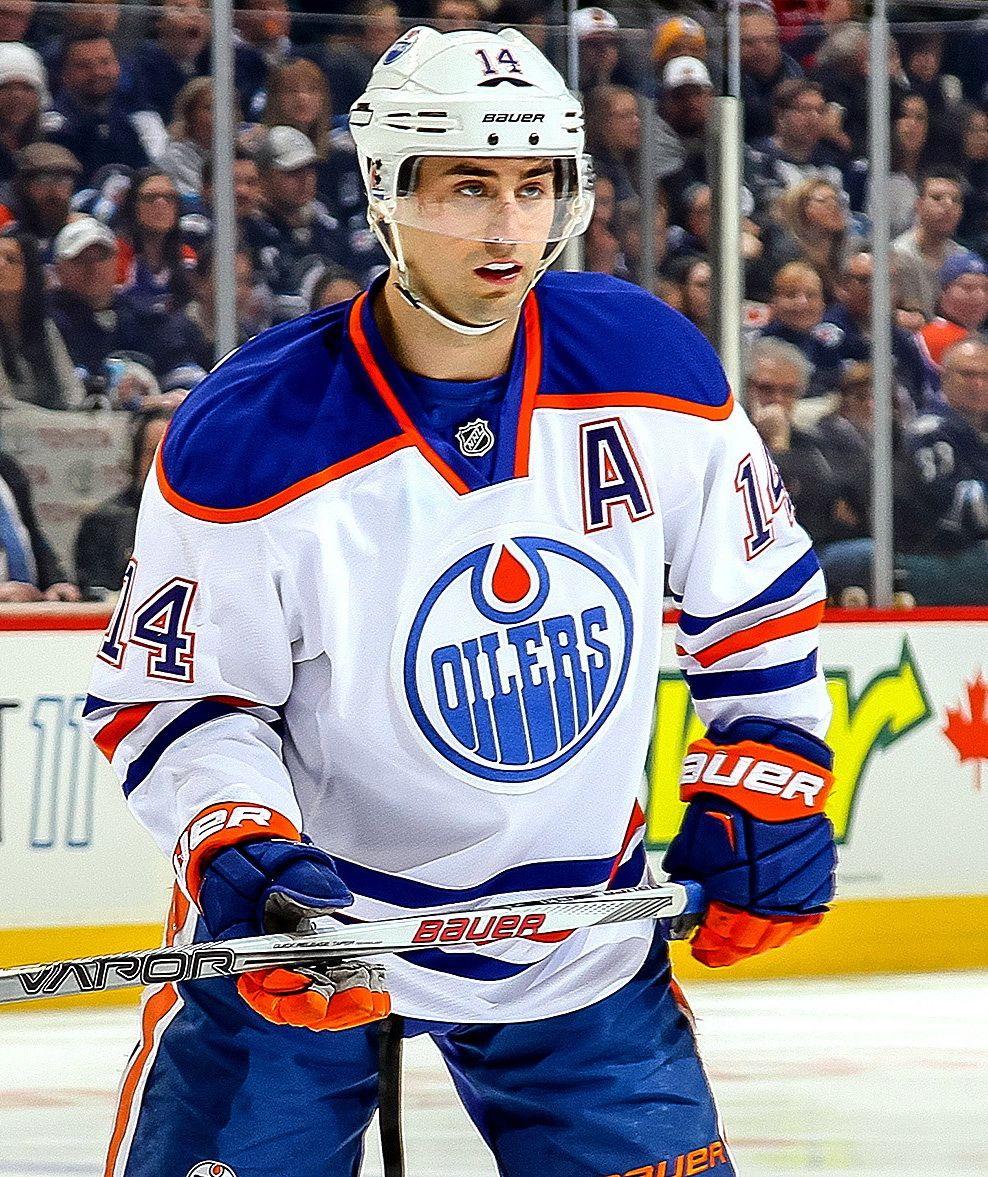 Oilers Winger Jordan Eberle Shoulder Will Miss 4 6 Weeks Edmonton Oilers Oilers Nhl Players