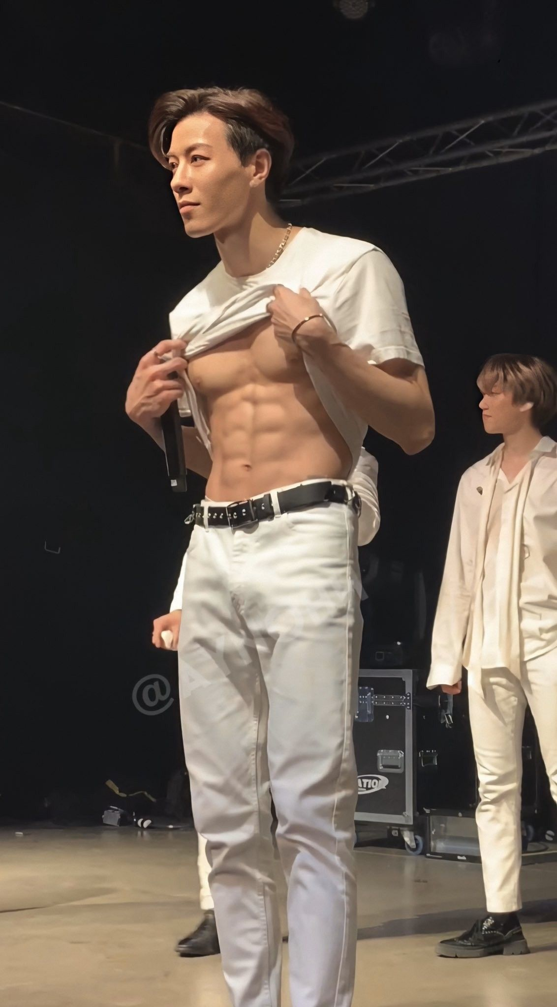 Pin By Alex On Vav Abs Boys Korean Male Models Korean Idol