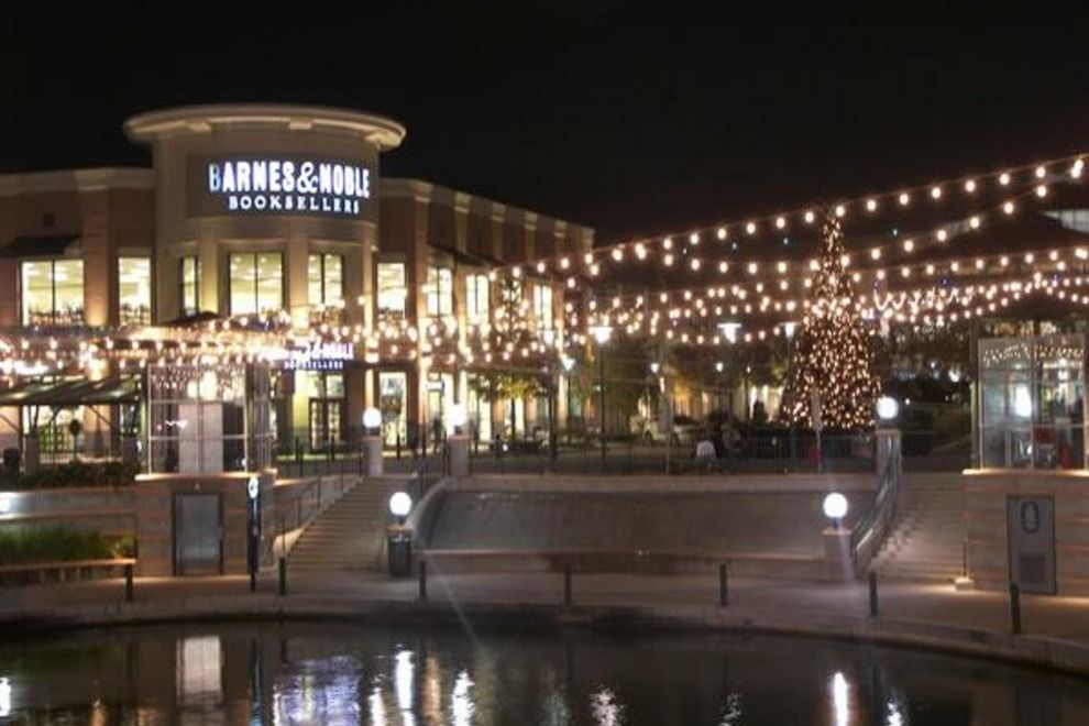 Woodlands Mall Ar124771058062588 54 990x660 201405311912 Jpg 990 660 Pixels Woodlands Outdoor Shopping Places To Go
