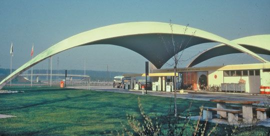 Heinz Isler Design He Used The Concept Of The Shape A Piece Of Material Makes When Supported Structural Engineering Parametric Architecture Concrete Structure