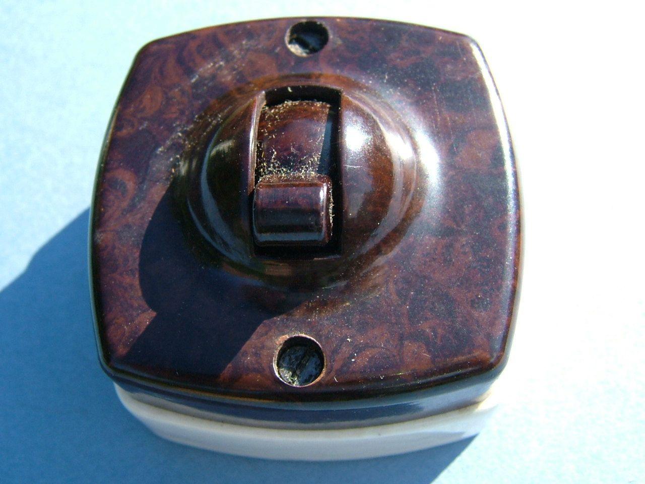 Little Briton Britmax 5 Amps 250 Volts Bakelite Light Switch In Original Box Light Switch Light Door Handles