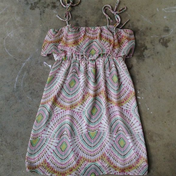 Print dress Dress with tie straps and elastic band under chest. Super cute and lightweight for summer. Glam Dresses