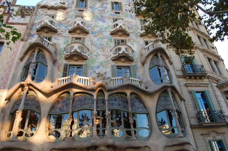 Antoni gaud art architecture id pinterest gaudi for Architecture gaudi