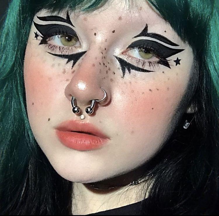 Cómo disfrazar a tus ojos este Halloween de cubreb
