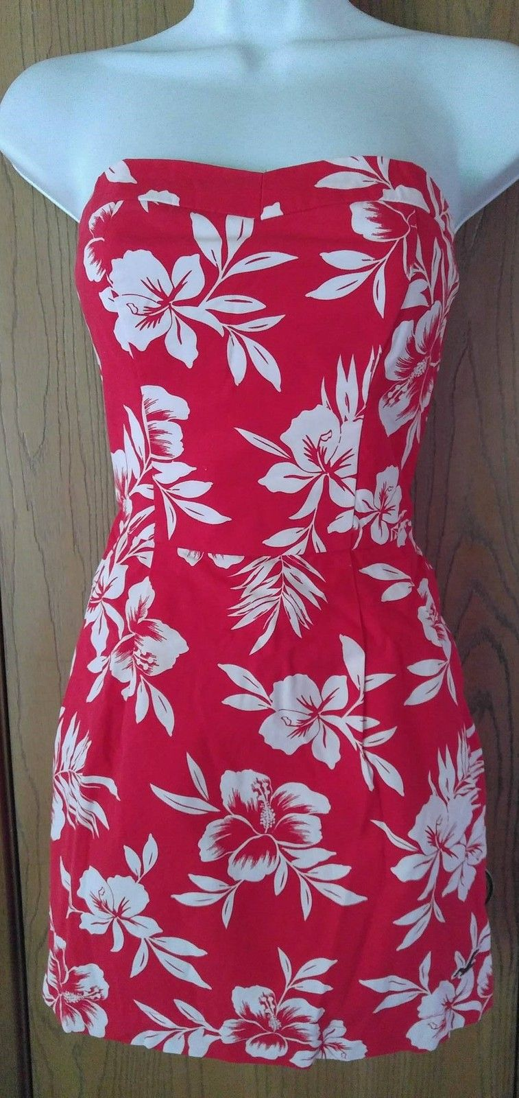 369df0329e72 NWT Red White Strapless Floral Flower Hollister Summer Dress Sundress Size  S by Juwannashop