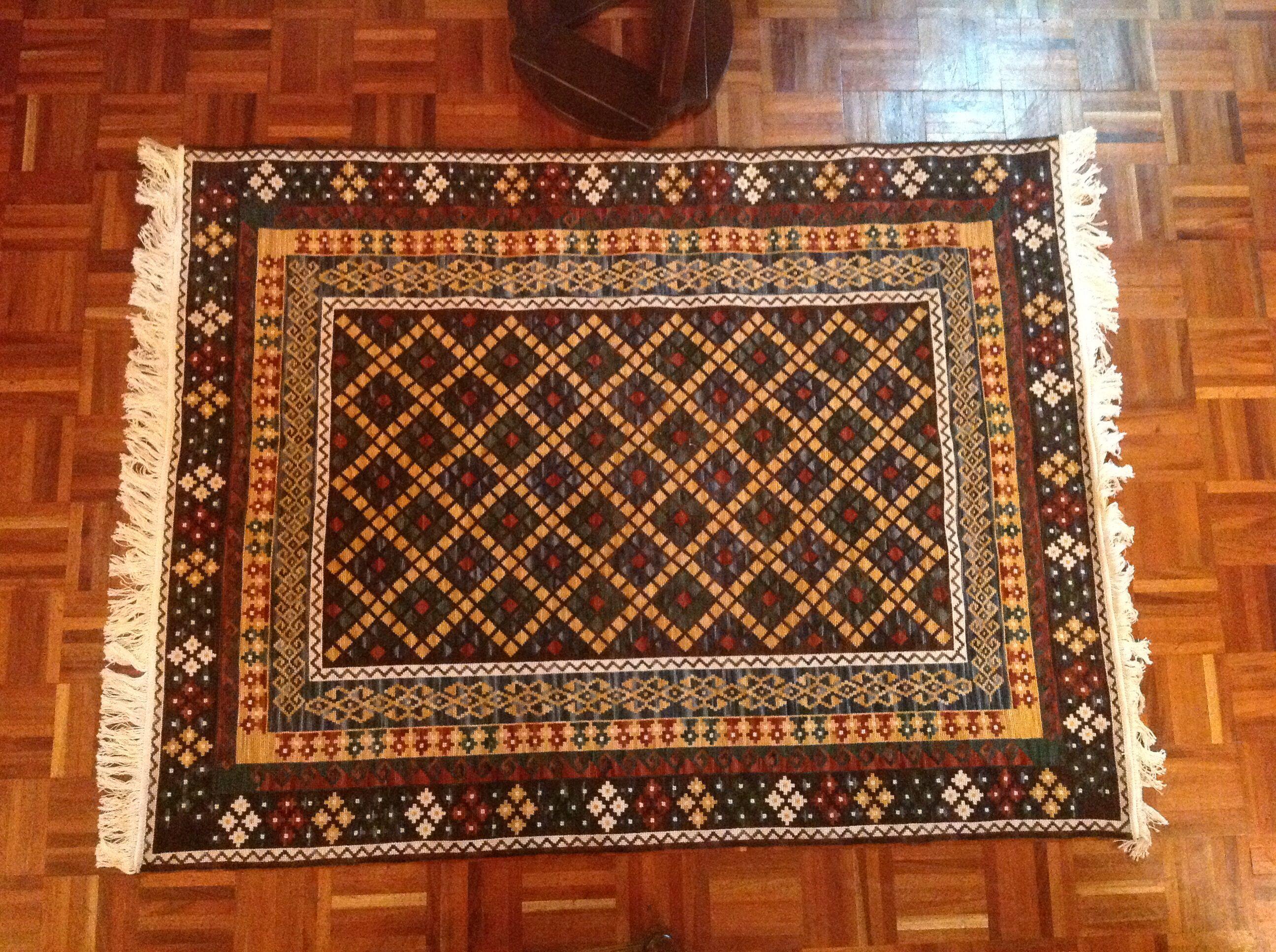 Alfombra bordada a mano estil persa manualidades for Alfombraspersas