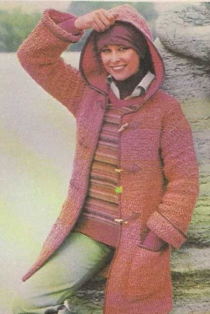 Tricot e Croche Passo a Passo Receitas  Casaco feminino de tricô com capuz  e couro. 2b4e2bbabc4