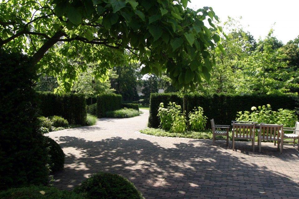 Zithoek in luxe tuinontwerp