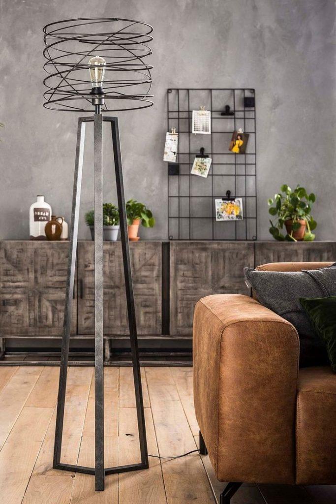 Tendencia Serralheria Na Decoracao De Interiores Steel Furniture Design Industrial Floor Lamps Industrial Design Furniture