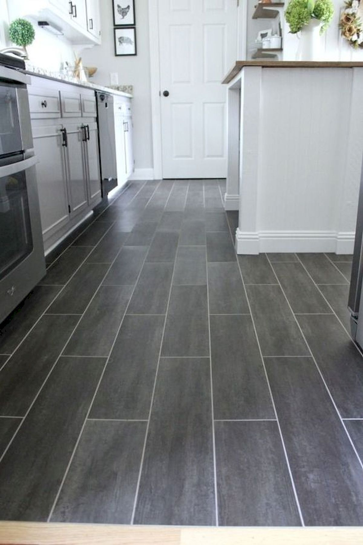 42 Awesome Tile Flooring Designs Ideas For Modern Kitchen In 2020 Diy Kitchen Flooring Kitchen Flooring Trends Diy Flooring