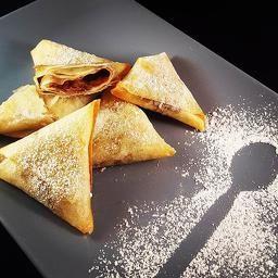 samoussa sweet & crunchy banane chocolat  un peu de croquant un peu de gourmand  dans un dessert express declinable selon toutes les envies!  recette  disponible ici : http://jesscookblog.wix.com/jesscook#!Samoussa-Sucré-un-peu-de-gourmand-un-peu-de-croquant/cmbz/56334d380cf28bf12d87f206