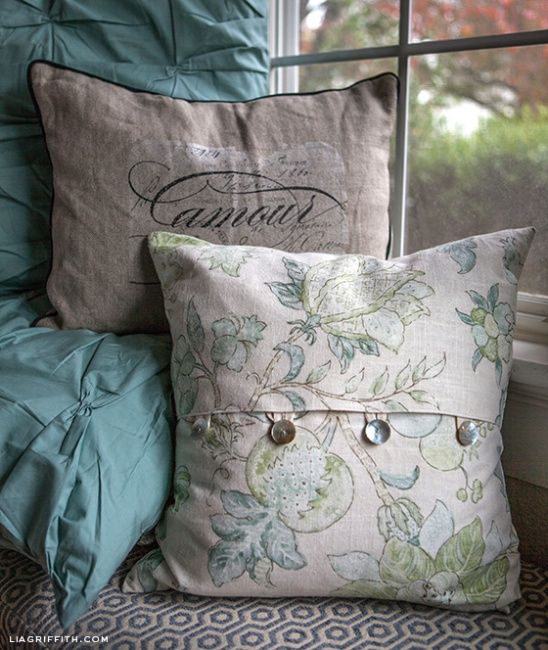 EASY DIY Envelope Pillow Covers by lia griffith | Project | Sewing | Home Decor / Decorative | Kollabora