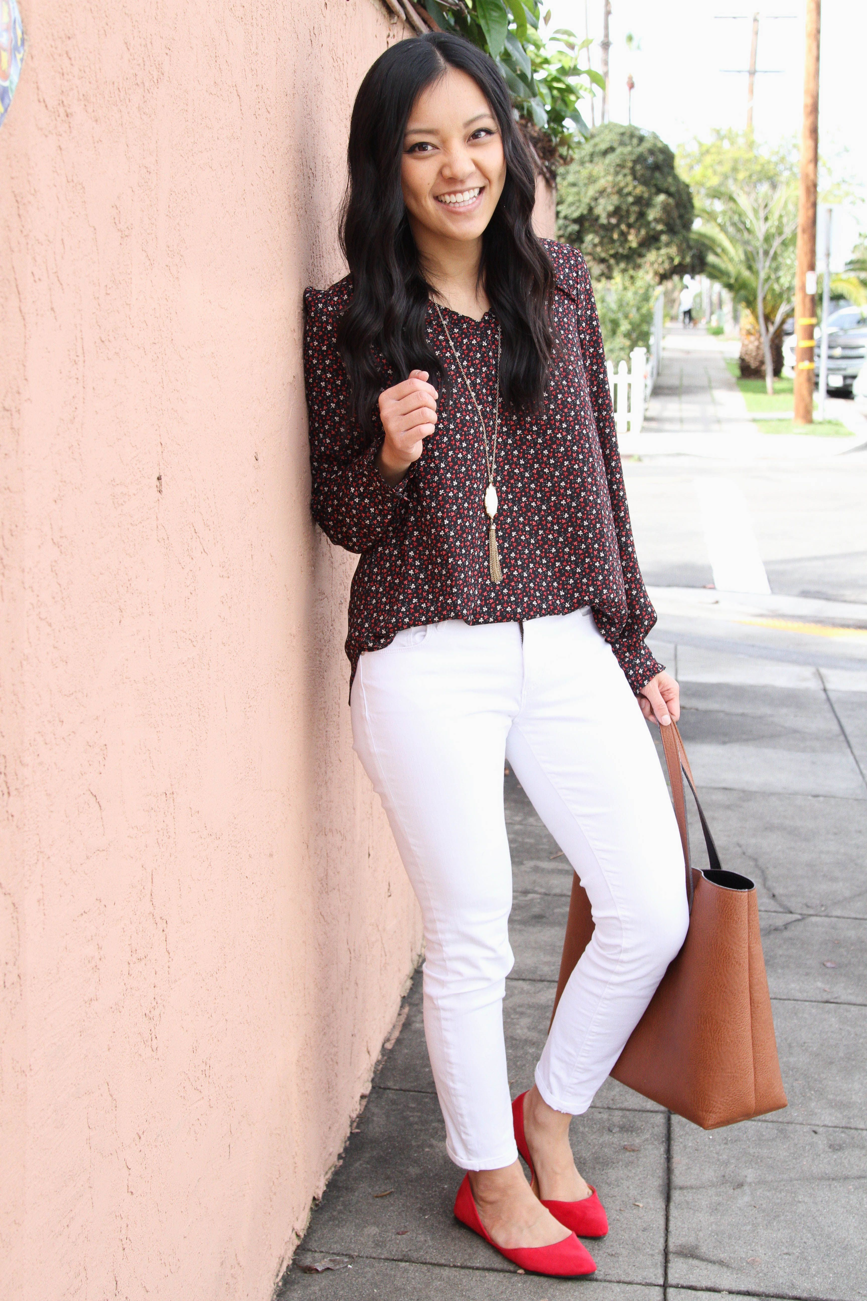 a48905e4b5544 Floral Top + White Skinnies + Tan Tote + Red Flats + White pendant