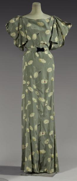 ~Vionnet Dress - SS 1934 - by Madeleine Vionnet, France - Modèle n°4750 - Printed silk crepe, seedling abstract flowers ivory sage green background~30s
