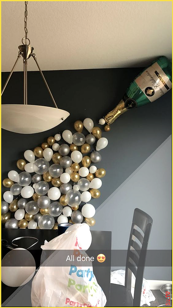 Decoration party wall decoration for the new year with balloons fitness GYM D ...#balloons #decorati...