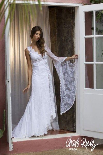 el vestido ibicenco, por excelencia, es blanco, dice charo ruiz