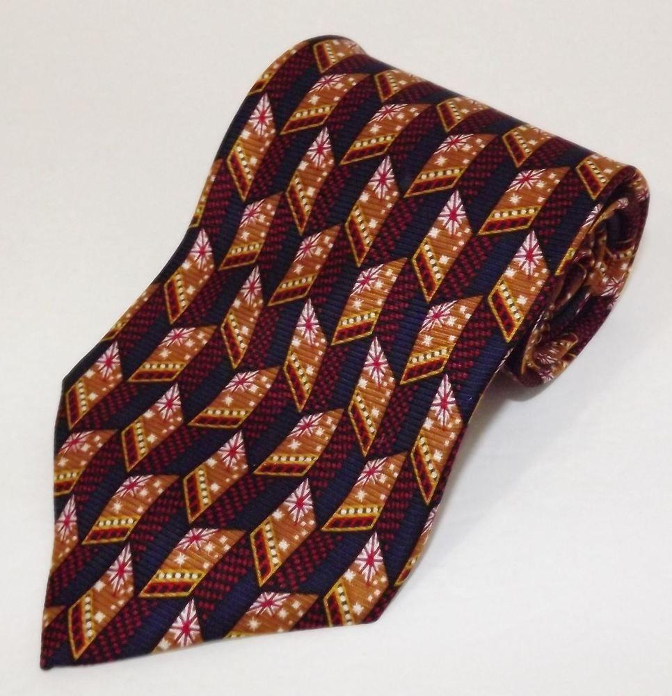 96/% Silk Hugo Boss Striped Brocade Silk Necktie Made in Italy