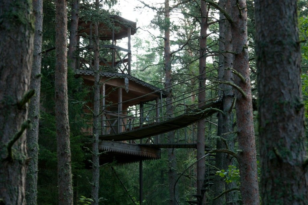 The Air Castle Treehouse By Urnatur Sweden Woodworking Shows