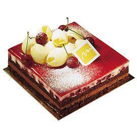 Forêt noire - Génoise au chocolat, chantilly au chocolat, chantilly au kirsch et cerises au kirsch