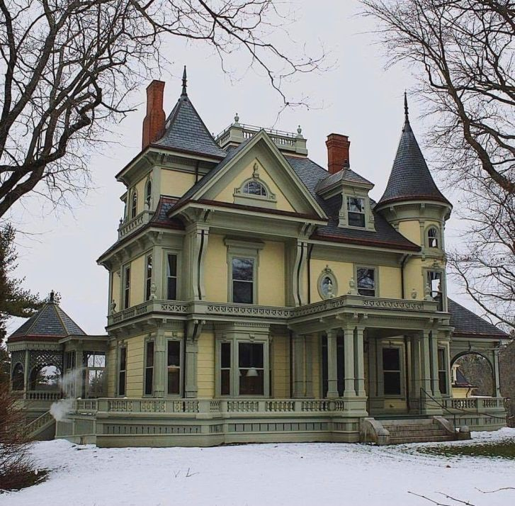 50+ Victorian House Polychrome Paint Schemes Ideas (08)