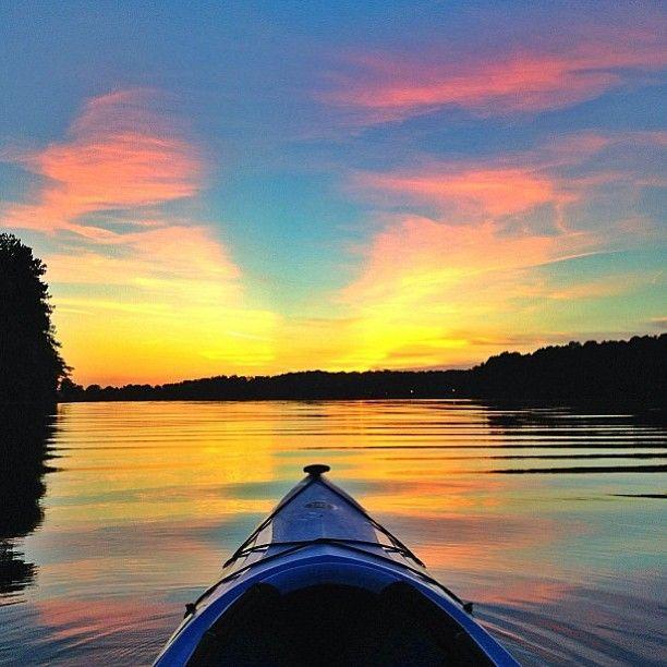 Kayak lake acworth sunset sunset kayak kayaking for Lake acworth fishing