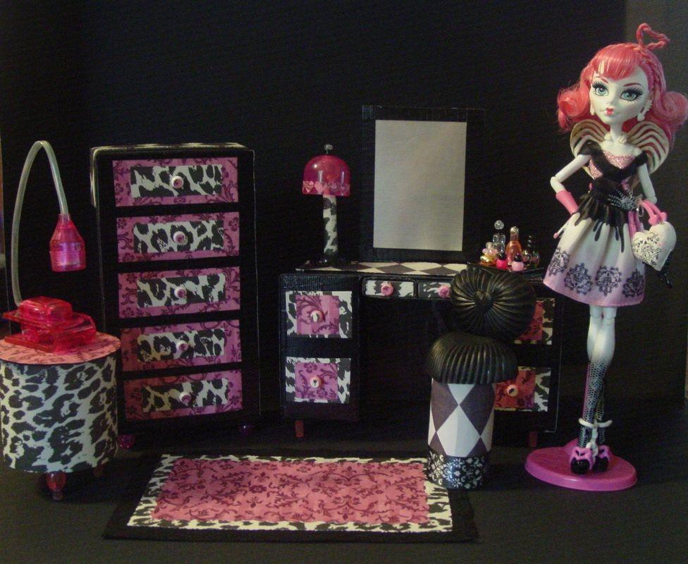 Monster High Cupids Furnitur